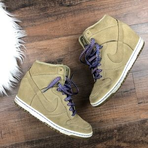 Nike W's Dunk Sky Hi Wedge Sneakers
